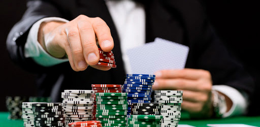 Giocare a poker a soldi veri con destrezza e integrit�